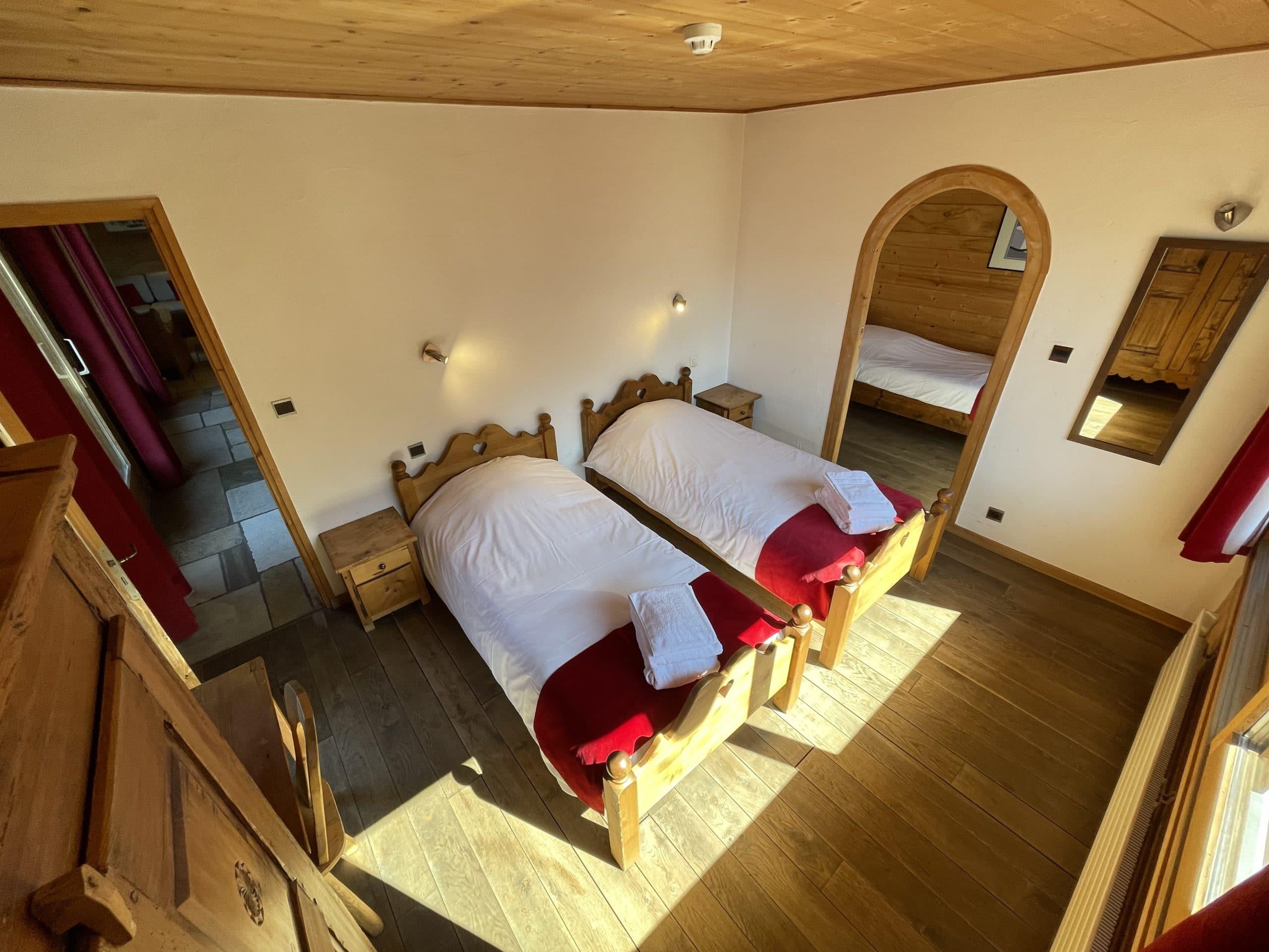 Chambres et salles de bains privatives au chalet de location à Morzine
